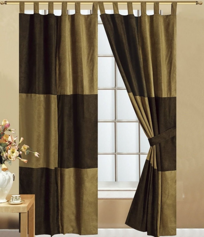 14 cool living room curtains ideas you should try this - Black and gold living room curtains ...